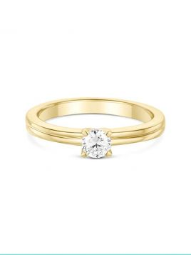 Classic solitaire engagement ring with 4 claw setting and shoulder detail(with G/VS2 diamond)